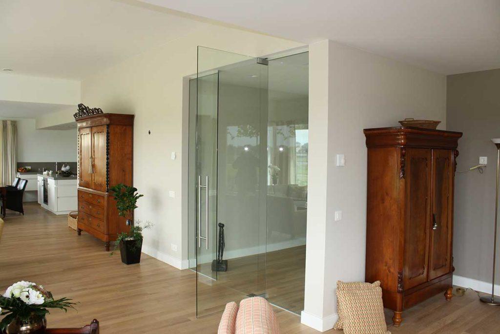 heldere glazen deuren